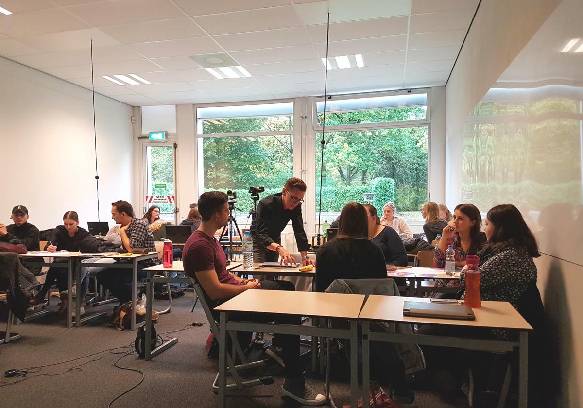anyMOTION übernimmt Dozentenstelle an der Fontys - Erster Workshop zum Thema Webseitenrelaunch